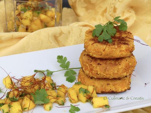 Kokos-Süßkartoffel-Rissole mit scharfer Mango