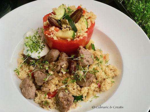 Gefüllte Paprika mit Couscous und Lamm