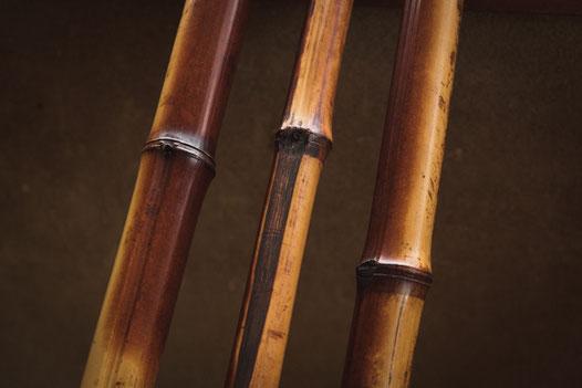 茶杓の削りに用いる細めの煤竹