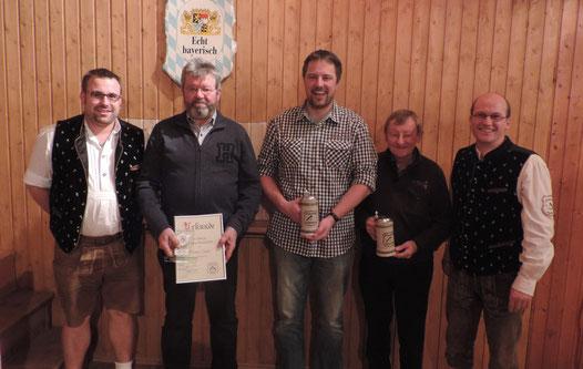 von links nach rechts: 2. Vorstand Patrick Schmid, Michael Gailer, Robert Wohlmuth, Erwin Erhorn und 1. Vorstand Gerhard Beck