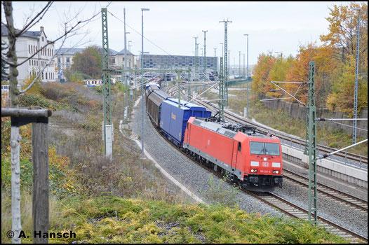 185 341-5 verlässt mit GA 52811 (Braunschweig - Mosel) den herbstlichen Chemnitzer Hbf. (5. November 2016)