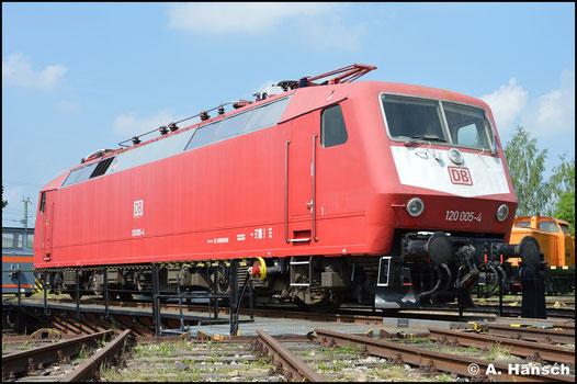 Der TEV Weimar hat 120 005-4 im Bestand. Am 28. Mai 2016 wurde sie dort präsentiert