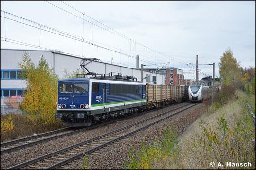 Am 01. November 2020 gehört die Lok der PRESS und trägt das IntEgro-Design. Als 155 053-8 eilt sie mit dem Kokszug Bad Schandau - Glauchau durch den Hp Chemnitz-Schönau