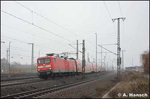 Mit RE 3 nach Stralsund verlässt die Lok am 3. Februar 2019 Luth. Wittenberg Hbf.
