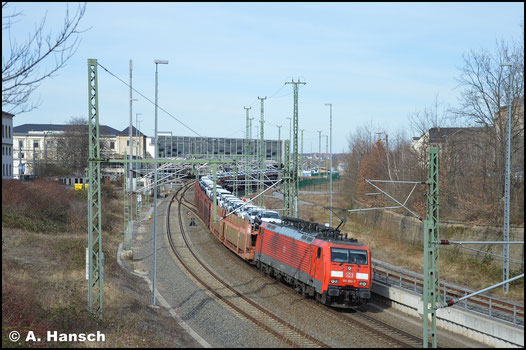 Am 16. März 2020 verlässt 189 060-7 mit langem Autozug Chemnitz Hbf.