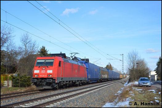 185 293-8 zieht am 21. März 2018 den Auto(teile)leerzug GA 52813 durch Grüna gen Glauchau