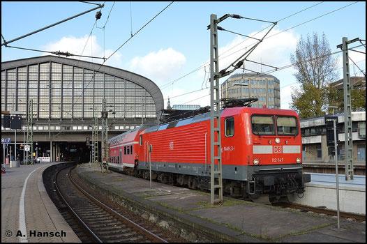 Am 8. November 2015 hat 112 147-4 gerade Hamburg Hbf. erreicht