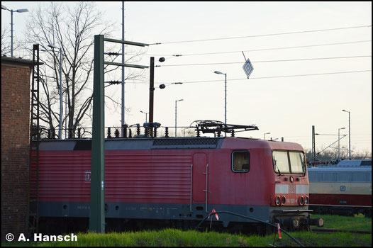 114 026-8 steht am 30. März 2019 im Gelände des AW Dessau