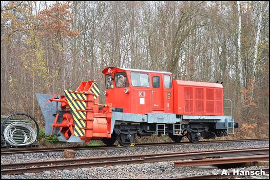 Diese Schneeschleuder wird in Chemnitz für eventuelle Einsätze bereit gehalten. Am Bahnkraftwerk ist sie am 2. Dezember 2018 abgestellt