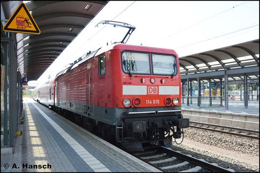 Am 27. August 2016 steht 114 015-1 mit RB nach Bitterfeld in Luth. Wittenberg Hbf.