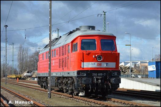 Am 12. Februar 2019 verweilt die Lok arbeitslos in Cottbus am Hbf.