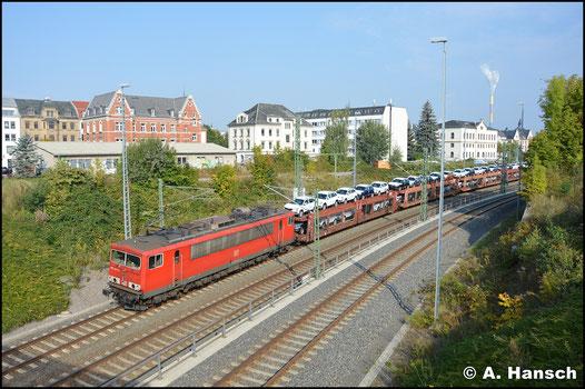 Erst 6 Jahre später, am 23. September 2017, begegnet mir die Lok wieder. Gerade verlässt sie mit Autozug Chemnitz Hbf. gen Glauchau