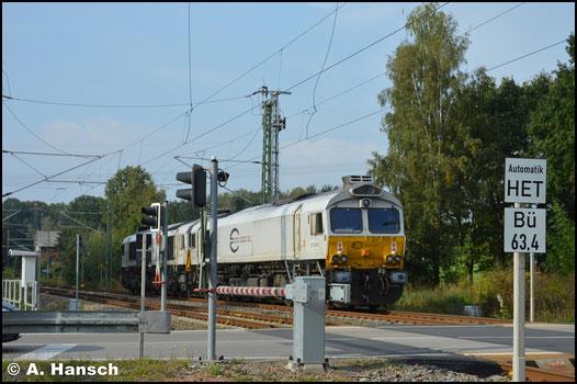 Am 26. September 2016 hängt 266 445-6 als zweite Lok im Lokzug T 65382, den ich in Chemnitz-Furth erwischte. 266 455-5 hängt vorn