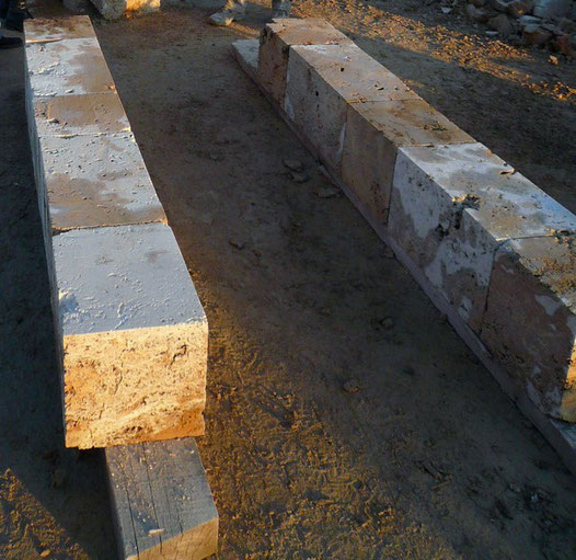 jambages-encadrement-pierre -taille-porte–tuf-var-83