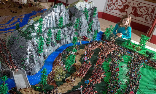 Jacobite uprising in LEGOs seen from above