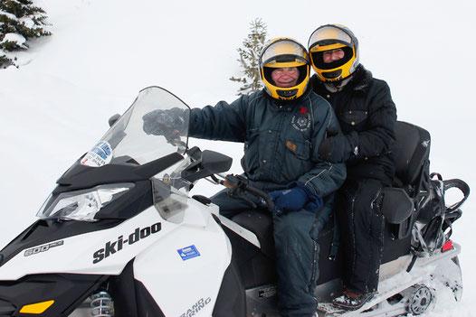 Yellowstone Schneemobil, Liebe