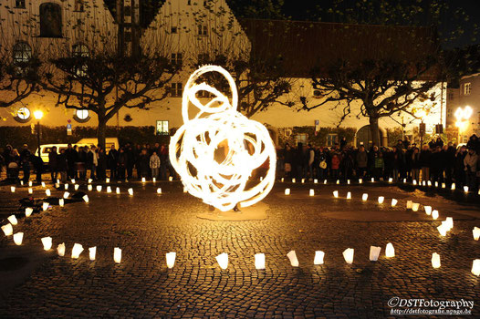 Feuershow zur Augsburger Shopping-Nacht