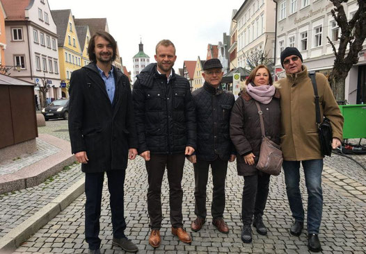 Quelle: onetz.de (https://www.onetz.de/amberg-in-der-oberpfalz/politik/bis-1630-uhr-bestellen-ware-noch-am-selben-tag-freie-waehler-wollen-online-marktplatz-d1798455.html)