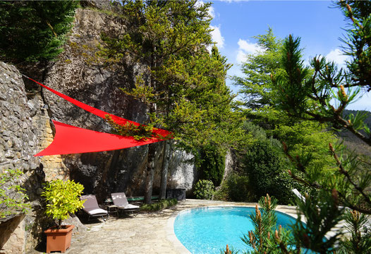 gite-avec-piscine-privee-en-aveyron-gite-de-charme-le-colombier-saint-veran-location-vacances-dans-le-parc-naturel-des-grands-causses-tourisme-occitanie-sud-de-france