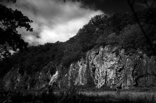 Ekkodalen Bornholm Dänemark Schwarzweiss Landschaft Natur Felswand