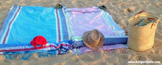 Aprovecha las toallas como pareo - www.AorganiZarte.com