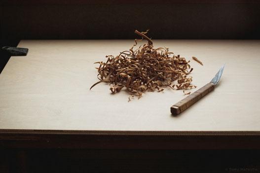 机の天板を新しく、煤竹の削りも新鮮な気持ちで