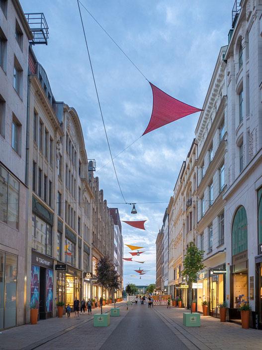 """Eine der exklusivsten Einkaufsmeilen der Stadt : Der """"Neue Wall""""."""