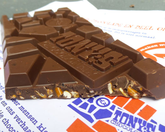 Tony-chocolonely-dondere-melk-pretzel-toffe-review-ervaring