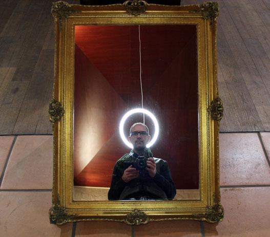 Moi aussi je suis un Saint, exposition Sixième sens, Vieille église de Mérignac, 2015.