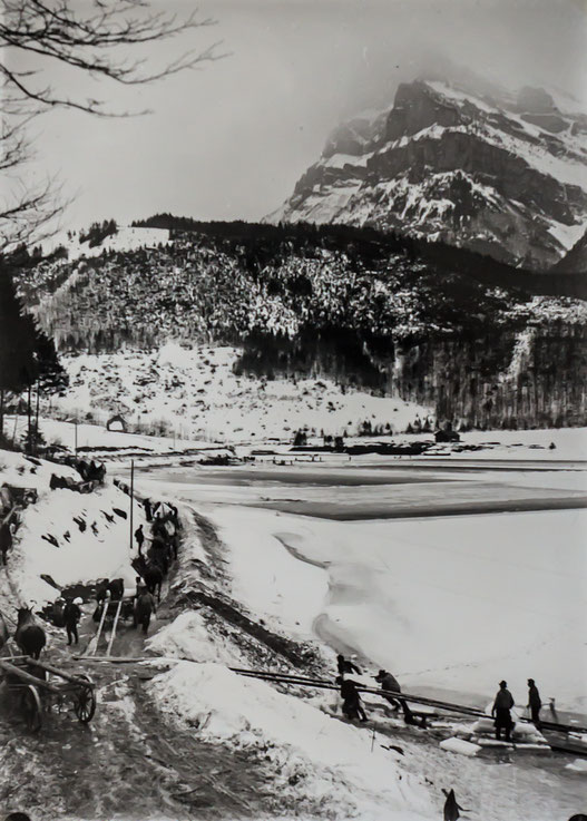 Abtransport der Eisplatten (Sammlung Fritz Weber)