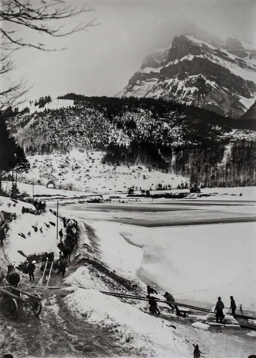 Abtransport der Eisplatten (Sammlung Fritz Weber- Worni)