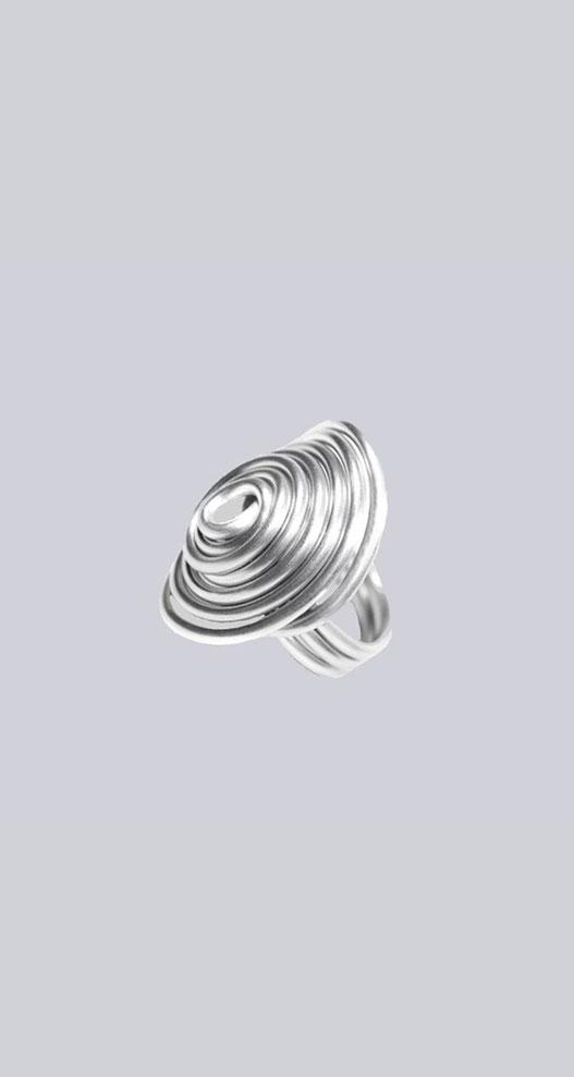 Sehr extravagant - gefertigt aus einem Stück Aluminium! Wunderschöner Lagenlook-Ring. Extravaganter Modeschmuck designed by My-Levanjo.