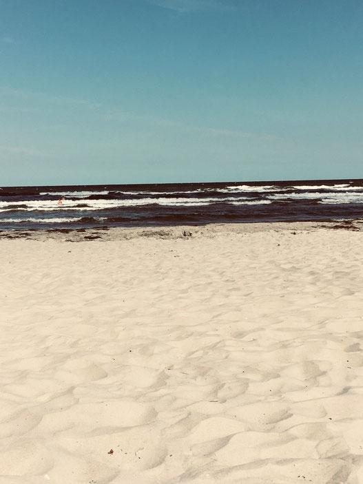 Strand mit Boot auf Rügen