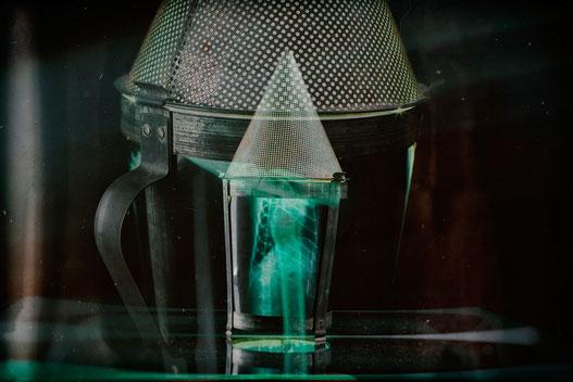 Buffet chinois: lampe upcycling fabriqué avec un chinois et une radiographie de chat