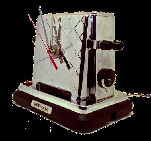 Toastheure: lampe upcycling fabriqué à partir d'un ancien grille-pain