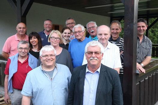 Die Vorstandsmitglieder des TuS Höchen auf einen Blick