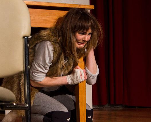 Miriam Manthei als fantastisch panisches Kaninchen. Quelle: Typisch Hamburch