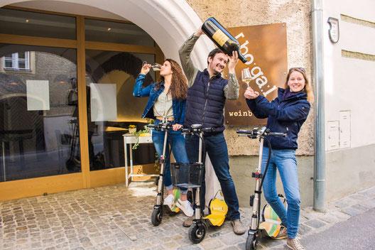 Scooterverleih in der Wachau Scooteremotion bei Weinbar Das Bogerl in der Freizeit Erlebnis von Wein und Marille Wandern Fahrrad und Segway