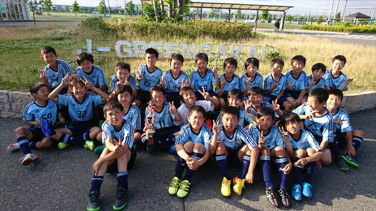 J下部が3チームも参加し、関西の強豪も多数参加したハイレベルな大会での優勝!! 全員での勝利です。
