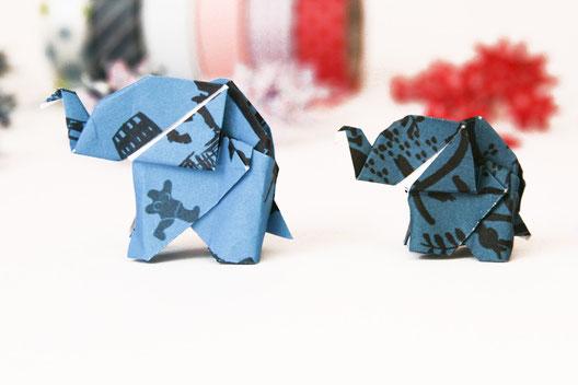 Origamielefanten aus Kathrins Papier blau Motiv Hannover und Vögel