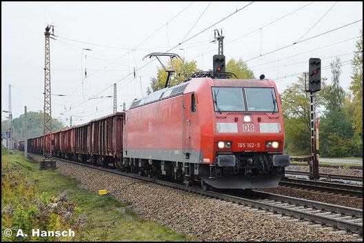 Am 19. Oktober 2015 begegnet mir 185 162-5 mit gemischtem Güterzug in Leipzig-Thekla