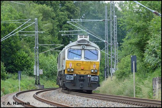 Der Nachschuss zeigt, dass die Lok als 247 047-4 nummeriert ist (NVR-Nr. 266 447-2)