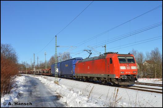 Am sonnigen 4. Februar 2017 zieht 185 156-7 den Leerauto(teile)zug GA 52811 (Braunschweig - Mosel) durch Chemnitz-Furth gen Chemnitz Hbf.