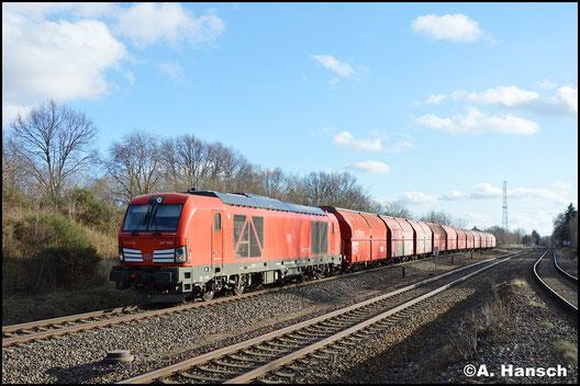 Am 30. Januar 2018 kommt am Gipszug Chemnitz-Küchwald - Großkorbetha erstmals ein Dieselvectron zum Einsatz. 247 904-6 zieht den Zug hier durch Wittgensdorf ob. Bf.