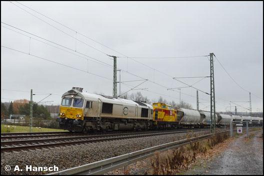 Am 28. November 2017 führt 266 442-3 den Zementzug an. 298 102-5  (MEG 111) läuft dahinter. Hier verlässt der Zug Chemnitz-Furth gen Riesa