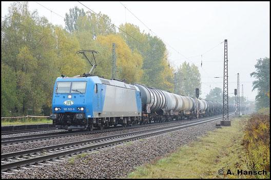 185 522-0 rollt am trüben 19. Oktober 2015 durch Leipzig-Thekla