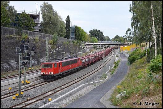 GA 47337, der tägliche Leerautozug von Zwickau nach Dresden-Friedrichstadt rollt auf Chemnitz Hbf. zu. 155 229-8 zieht am 25. August 2015 die Fuhre