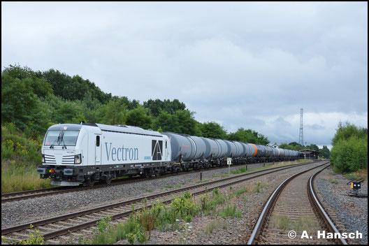 Den gleichen Zug konnte ich nach dem Kopfmachen in Chemnitz-Küchwald noch einmal in Wittgensdorf ob. Bf. fotografieren