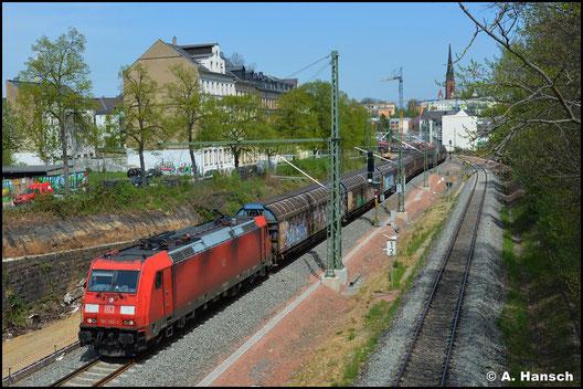 Am 11. Mai 2021 durchstreift 185 380-3 mit dem GAG 60073 das Chemnitzer Stadtgebiet gen Zwickau
