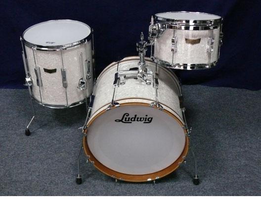 """Jazzette """"Musik Walter Custom Shop"""" - White Marine Pearl - holz: Kirsche - inkl. hardware und taschen - 18"""" / 12"""" / 14"""""""
